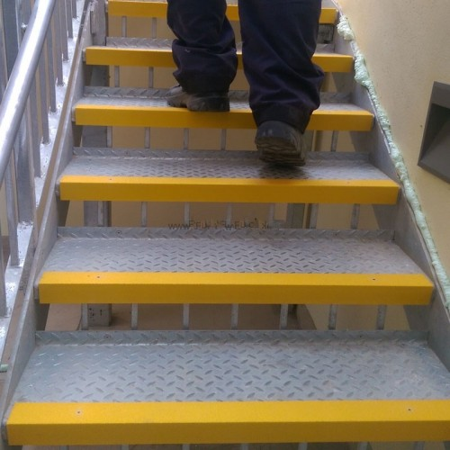 Safety Edge Grp Stair Nosing Fixmaster